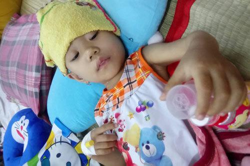 ung thư,bướu nguyên bào thần kinh,hoàn cảnh khó khăn,từ thiện vietnamnet