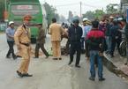 Xe khách tông xe máy, 2 cha con tử nạn ngày 29 Tết - ảnh 8