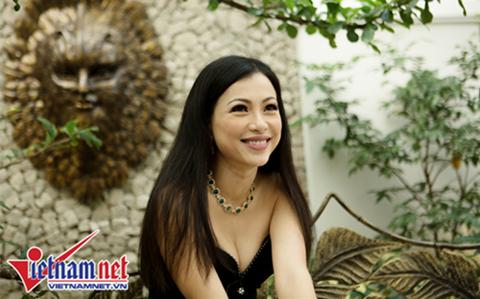 Hoa hậu Ngô Mỹ Uyên trả lời phỏng vấn báo VietNamNet