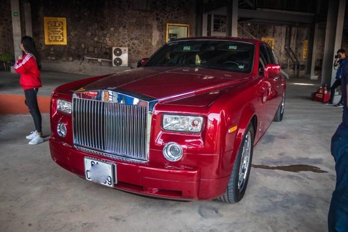 'Cận cảnh' Rolls-Royce Phantom của ông chủ khu du lịch Đại Nam