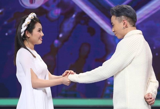 Karik bất ngờ chia tay Huyền Thương sau 1 tháng hẹn hò