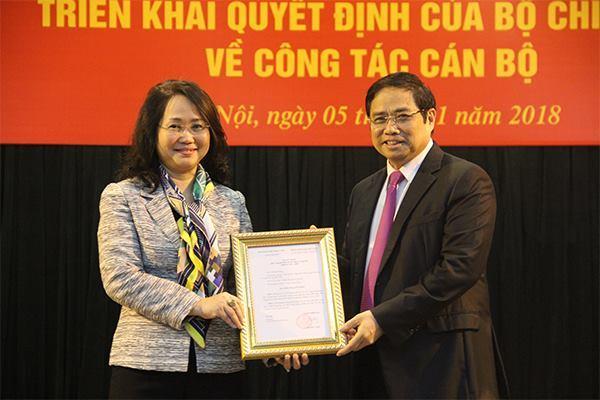 Trao quyết định bổ nhiệm Bí thư Lạng Sơn cho bà Lâm Thị Phương Thanh