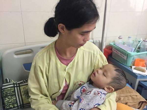 hoàn cảnh khó khăn,u nguyên bào thần kinh,từ thiện VietNamNet,ủng hộ từ thiện