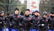 """U23 Việt Nam """"phòng thân"""", đối phó với cái lạnh 0 độ C"""