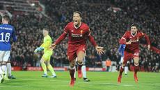 """Van Dijk """"nổ súng"""" trận ra mắt, Liverpool hất cẳng Everton"""