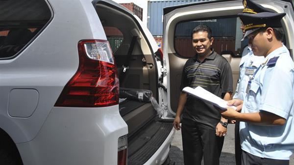 thuế nhập khẩu,ô tô nhập khẩu,thuế nhập khẩu ô tô,xe nhập khẩu,Giá ô tô,ô tô lắp ráp trong nước