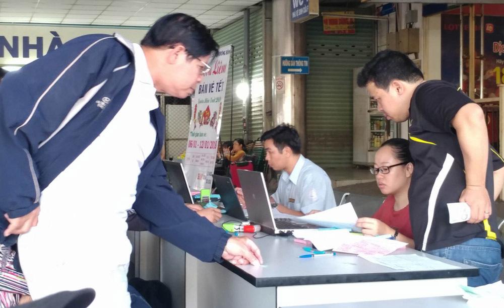 Bến xe Miền Đông vắng khách ngày đầu bán vé Tết