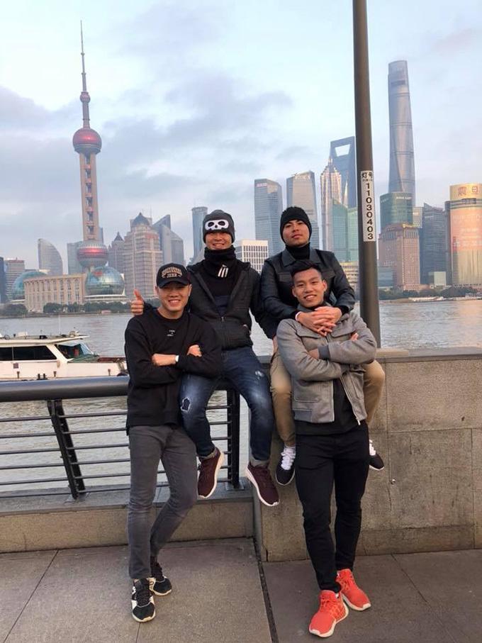 Công Phượng, Xuân Trường cực ngầu bát phố Thượng Hải