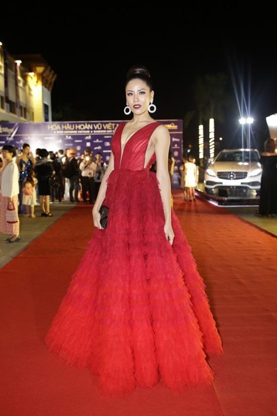 Phạm Hương, Mai Phương Thúy đọ sắc với HHHV đẹp nhất thế giới