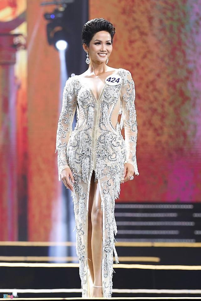 Khi tân Hoa hậu Hoàn vũ Việt Nam bị sỉ nhục vì màu da nâu