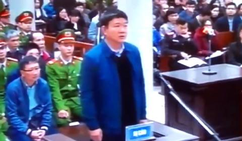 ông Đinh La Thăng trả lời trước tòa