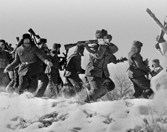 Lịch sử: Tiết lộ chấn động - Chiến tranh hạt nhân Nga–Trung suýt bùng nổ