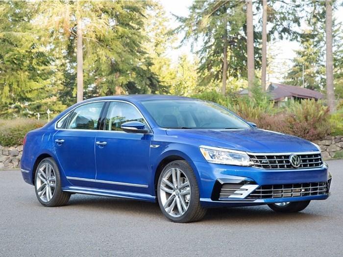 10 mẫu sedan sang trọng nhất có giá dưới 700 triệu đồng