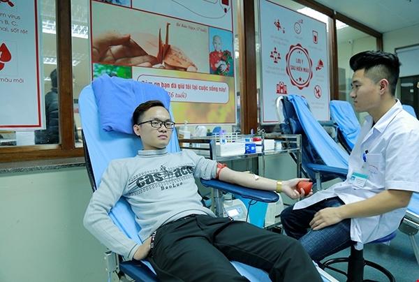 180 bệnh viện thiếu trầm trọng máu nhóm O