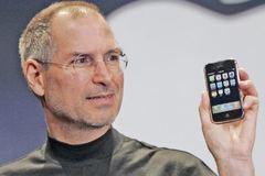 """Apple liên tục """"tự bắn vào chân"""" dưới thời CEO Tim Cook"""