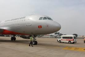 Máy bay hạ cánh khẩn cấp xuống Nội Bài do thiết bị báo lỗi