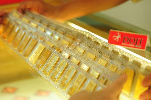 Giá vàng hôm nay 9/1: USD tăng, vàng chinh phục đỉnh mới