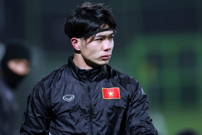 U23 ViệtNambịt mặt như Ninja, Công Phượng phong phanh khoe sức