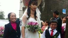 Đám cưới của chú rể cao 1m với cô dâu xinh xắn cao 1m6 gây xôn xao MXH