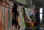 Nữ cấp dưỡng tái mặt vì sự cố trong nhà tắm tạm của công nhân - ảnh 7