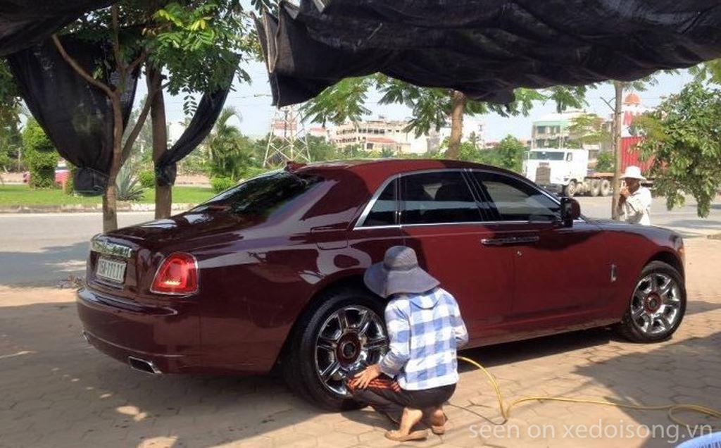 Rolls-Royce Ghost biển ngũ quý 1 rao bán hơn 11 tỷ tại Việt Nam