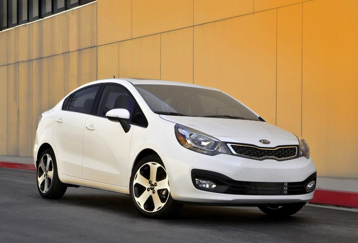 Top 5 ô tô cũ tiết kiệm xăng nhất hiện nay