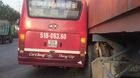 Xe buýt rượt đuổi container náo loạn phố Sài Gòn