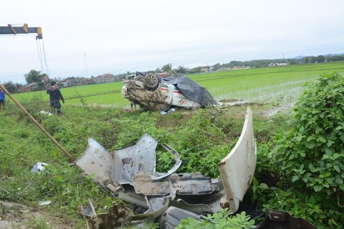 tai nạn giao thông,tai nạn taxi,Quảng Nam,ô tô gây tau nạn
