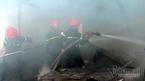Cháy xưởng vàng mã ở Nha Trang, cha tử vong, con bỏng nặng