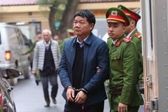Bị tăng huyết áp, ông Đinh La Thăng từ chối trả lời luật sư