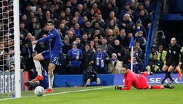 """Morata vô duyên, Chelsea """"bất lực"""" trước Arsenal"""