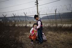 Ảnh hiếm về khung cảnh dọc biên giới Hàn – Triều