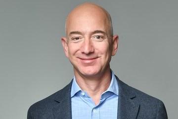 Ông chủ của Amazon Jeff Bezos trở thành tỷ phú giàu nhất lịch sử