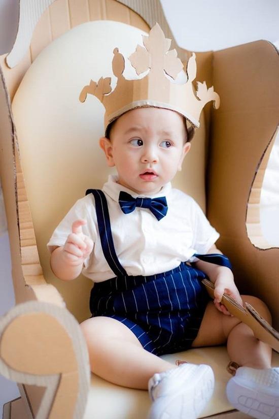 Con trai ca sĩ 'xấu lạ' Thảo Trang gây sốt với vẻ ngoài cực đáng yêu