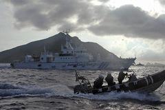 Tàu chiến TQ tiến sát đảo tranh chấp với Nhật