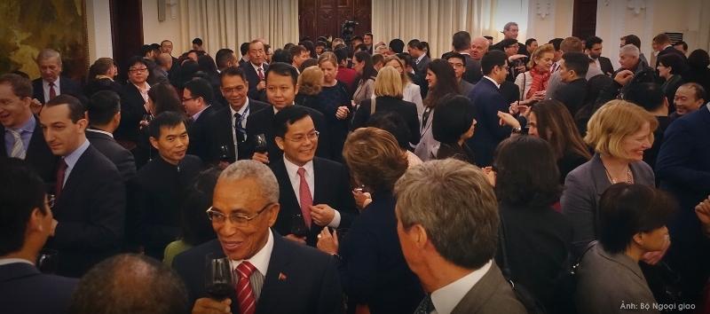 Bộ Ngoại giao gặp gỡ đại diện các cơ quan ngoại giao