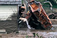 Lở bùn nghiêm trọng ở Mỹ, 17 người thiệt mạng