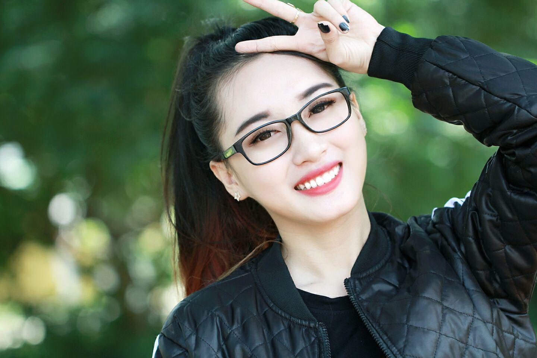 Vẻ nóng bỏng của hot girl bị Bảo Kun từ chối phũ
