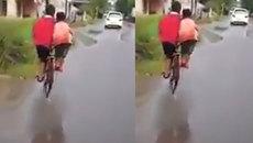 Kiểu đạp xe độc đáo vừa khỏe người lại không hề... tốn sức