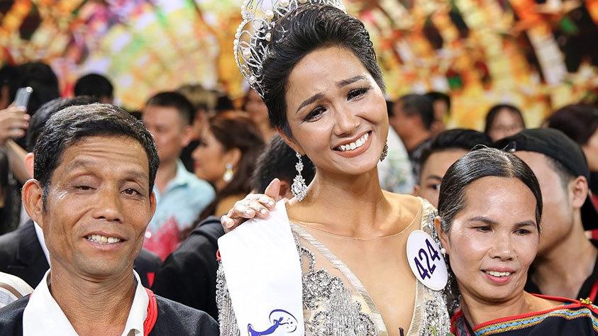 Gia cảnh khó khăn của các hoa hậu Việt