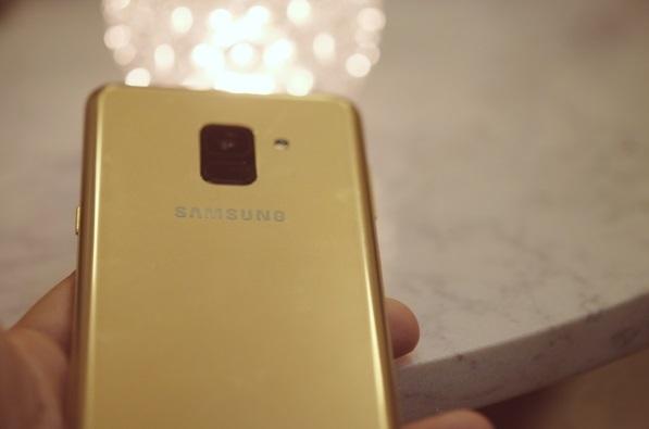 Galaxy A8, A8+ dẫn đầu phân khúc smartphone cận cao cấp