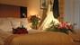 Sự cố trong phòng tân hôn tiết lộ bí mật của cô dâu đại gia