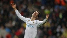 Ronaldo vô duyên, Real thua tức tưởi phút chót
