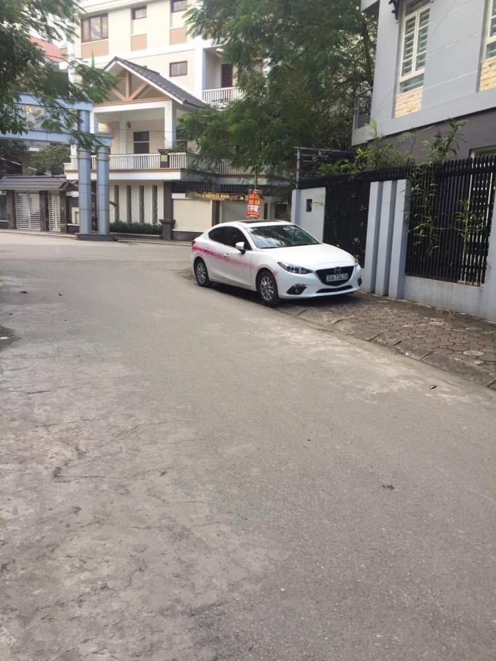 đỗ xe vô ý thức,đỗ xe chắn cửa,đỗ xe,đỗ ô tô