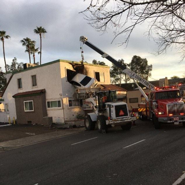 tai nạn,xế hộp,cứu hỏa,Mỹ