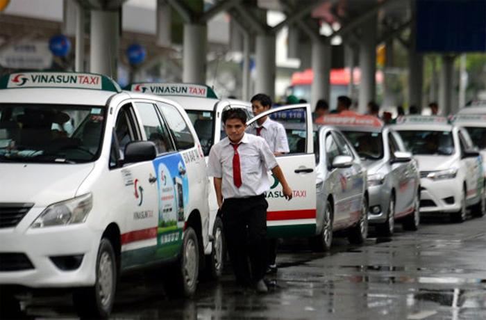Hàng vạn taxi, Uber, Grab chịu ảnh hưởng từ quy định mới?