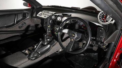 Xe độ từ Nissan 300ZX vượt qua tốc độ Bugatti Veyron