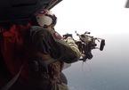 Xem lính Mỹ ngồi trực thăng nã đạn diệt máy bay