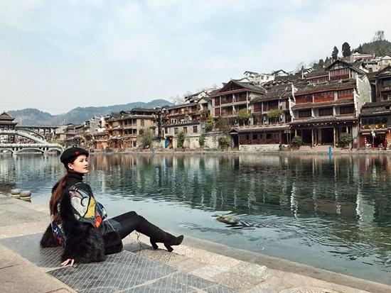 Hương Giang Idol khác lạ khó nhận ra