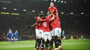 Đại thắng Stoke, MU rút ngắn cách biệt với Man City